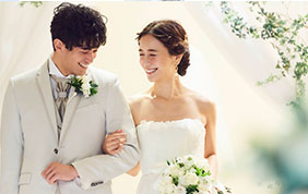 [ TOPICS / フォトウエディング情報 ] 結婚式会場だからこそ撮れる結婚写真。こだわりの撮影と衣装、プランのご紹介